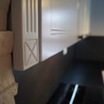 Kuchnia prowansalska w kolorze białym - szczegóły wykończenia szafek